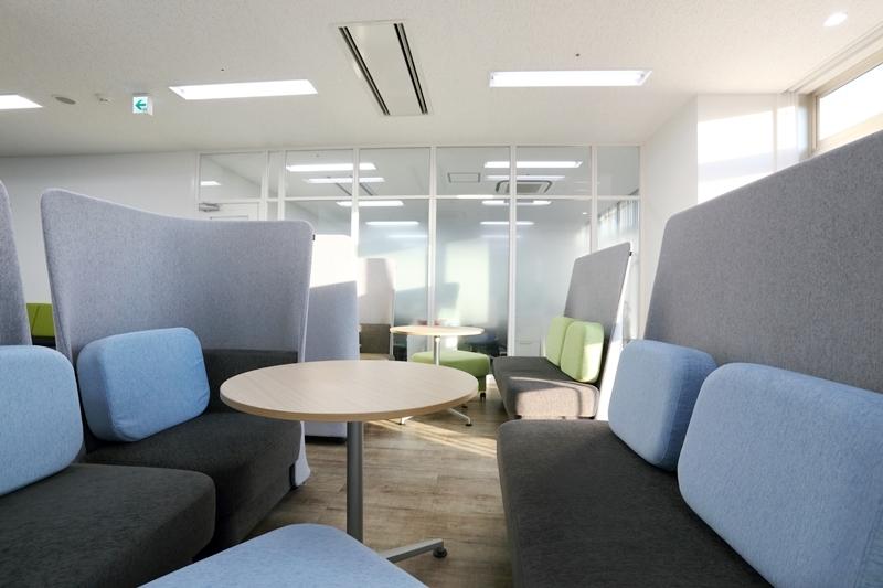 新橋オフィス_コミュニケーションスペース