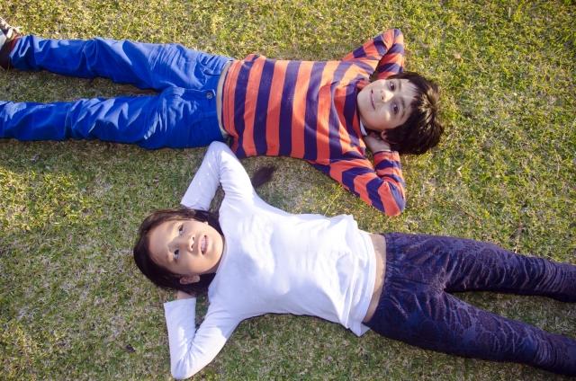 【求人用】子供たち芝生