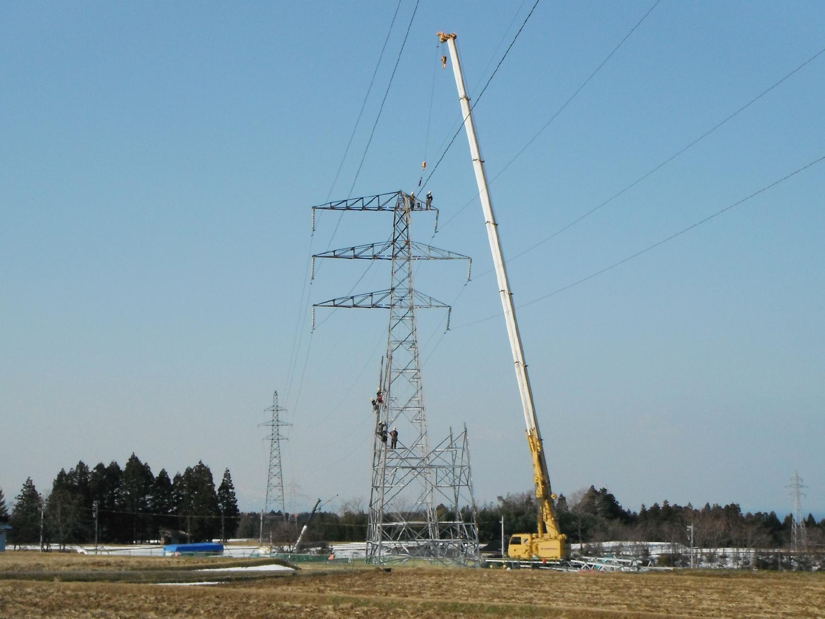 送電鉄塔の建設