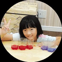紫キャベツ水溶液の変色実験